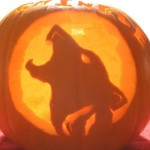 Howling Wolf Pumpkin Carving Idea and Pattern – Pumpkin Carving Ideas for Halloween